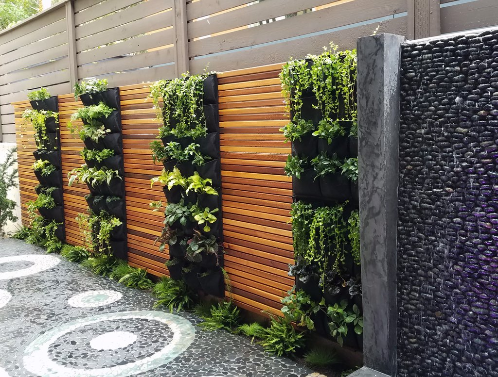 build a vertical garden or green wall for your summer yard project
