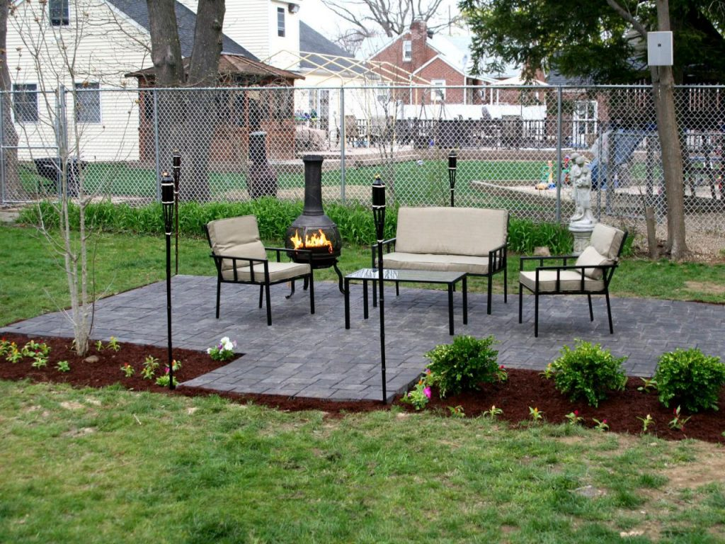 paver stone patio for summer yard project homeowners